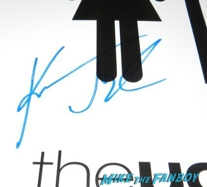 Katherine Heigl signed autograph the ugly truth mini poster  signing autographs extra universal nut job 34