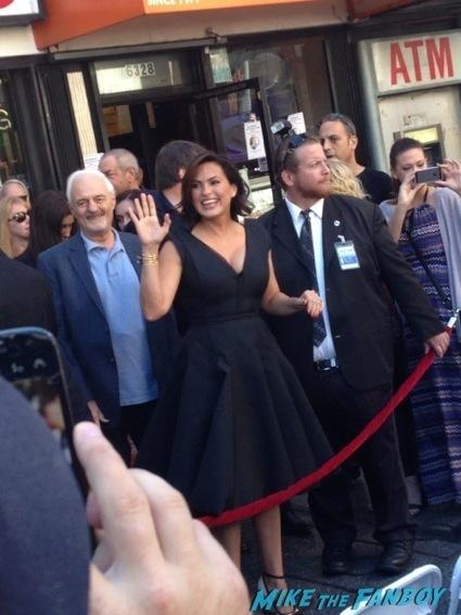 Mariska Hargitay walk of fame star ceremony signing autographs 4