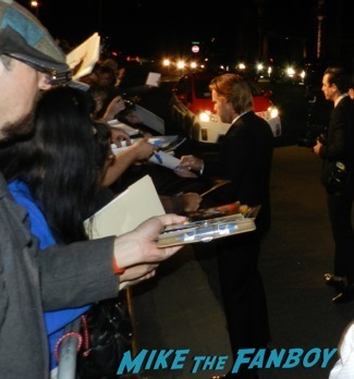 ewan mcgregor signing autographs Palm Springs International Film Festival 2014 signing autographs bono sandra bullock22