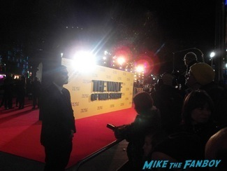 The Wolf of wall street UK Premiere lio dicaprio signing autographs 6
