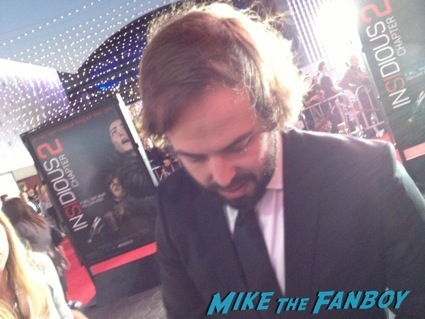 Angus Sampson signing autographs insidious 2 movie premiere autograph signing 10