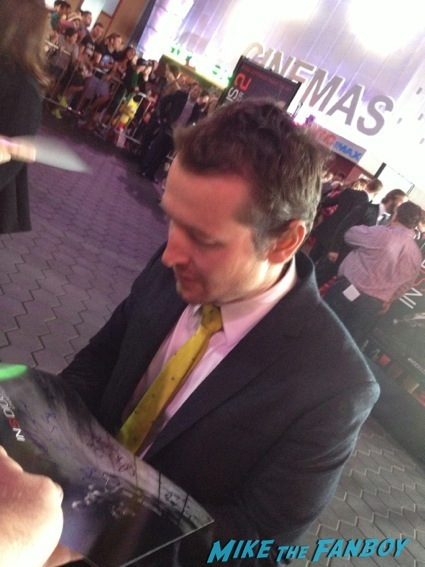 Leigh Whannell signing autographs insidious 2 movie premiere autograph signing 32