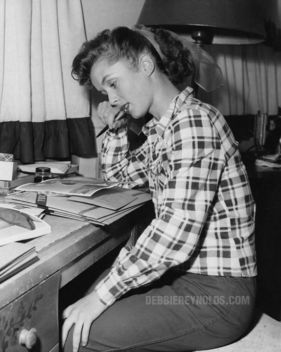 debbie reynolds signing autographs fanmail rare