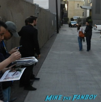 Alex Pettyfer signing autographs jimmy kimmel live 2014 endless love9