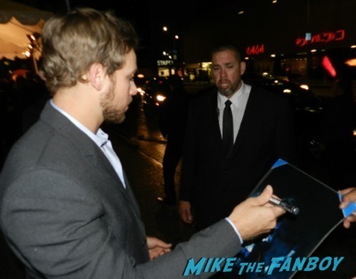Max Thieriot signing autographs Bates Motel premiere red carpet vera Farmiga olivia Cooke16