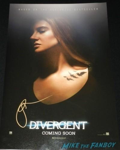 Shailene Woodley signed autograph individual mini poster Divergent cast theo james Shailene Woodley jimmy kimmel live 201414