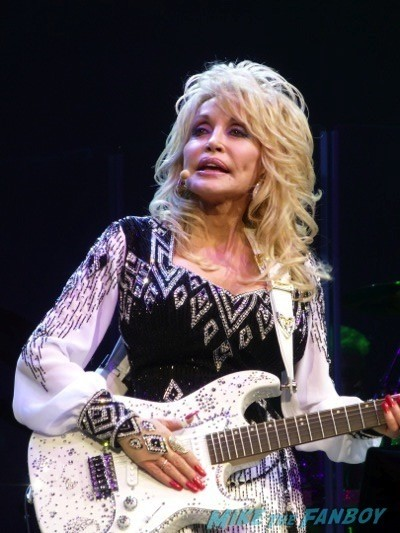 Dolly Parton Blue Smoke World Tour Agua Caliente Casino January 24 201439