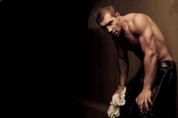 Jai Courtney jai-courtney2-slide shirtless hot photo