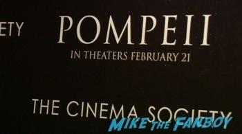 Pompei cinema society premiere red carpet photos kit harrington1