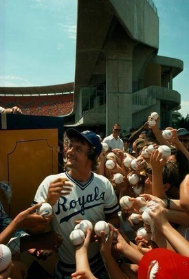 george brett signing autographs national geographic photo lorde royals
