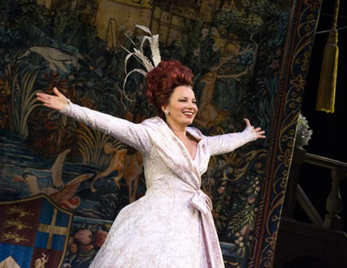 fran-drescher-is-thrilled-to-make-her-broadway-debut-as-89630