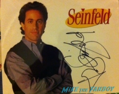 jerry seinfeld signing autographs for fans chicago2