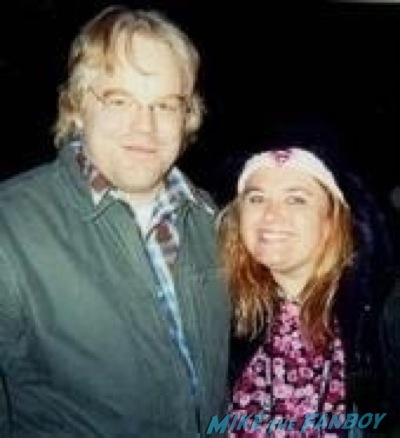 philip seymour hoffman signing autographs fan photo rip1