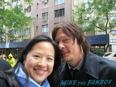norman reedus fan photo signing autographs the walking dead cast signing autographs andrew lincoln norman reedus3