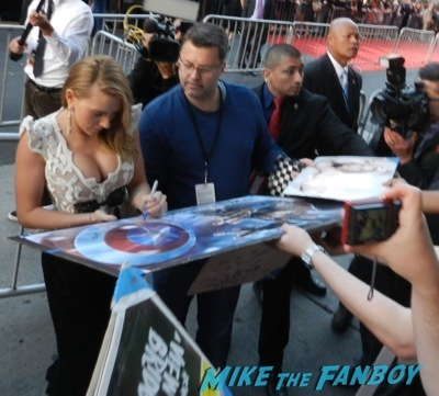 Scarlett Johansson  signing autographs Captain America: The Winter Soldier premiere red carpet25 Captain America: The Winter Soldier premiere red carpet43 Captain America: The Winter Soldier premiere red carpet27 Captain America: The Winter Soldier premiere red carpet29