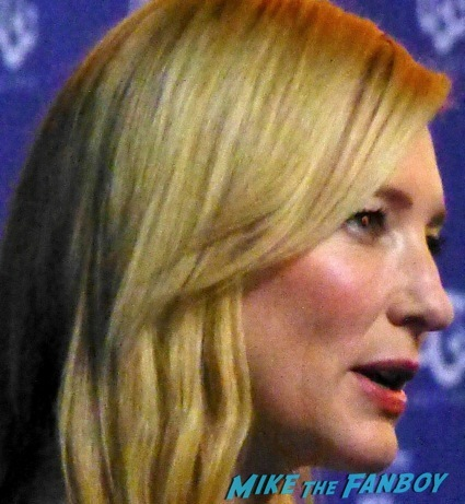 Cate Blanchett signing autographs for fns 2014 1