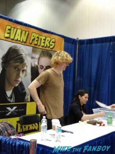 Evan Peters 1