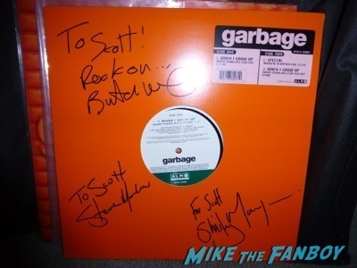 Garbage Shirley Manson Signing autographs signed album1