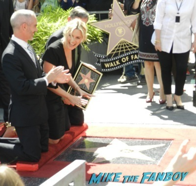 Kate Winslet Walk Of Fame Star Ceremony signing autographs rare kathy bates speech49