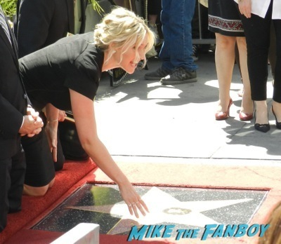 Kate Winslet Walk Of Fame Star Ceremony signing autographs rare kathy bates speech50