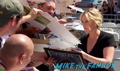 Kate Winslet Walk Of Fame Star Ceremony signing autographs2