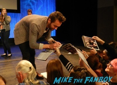 paleyfest signing autographs 2014 Sleepy Hollow Paleyfest 2014 tom mison orlando jones autograph signing 57
