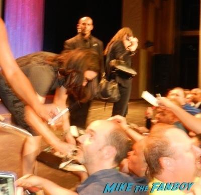Veep Paleyfest 2014 Julia Louis Dreyfus signing autographs q and a 1