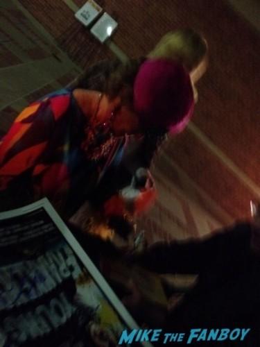 cloris leachman signing autographs now 2014 raising hope star2