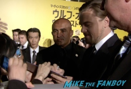 leonardo Dicaprio signing autographs japan premiere wolf of wall street5