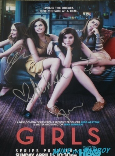meeting girls star lena dunham alison wiliams signing autographs 4
