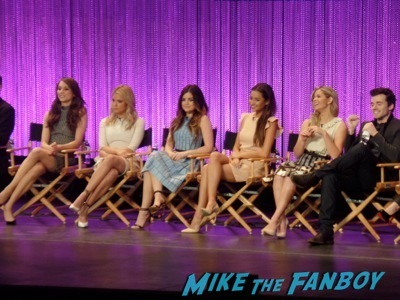 pretty little liars paleyfest 2014 panel signing autographs lucy hale rare