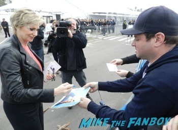 spirit awarsd 2014 celebrities signing autographs reese witherspoon (6)