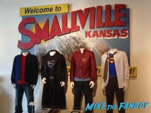 Costumes Warner Brothers Smallville
