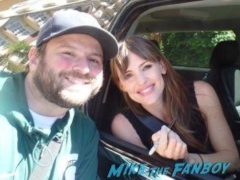 Jennifer Garner signing autographs for fans fan photo selfie rare