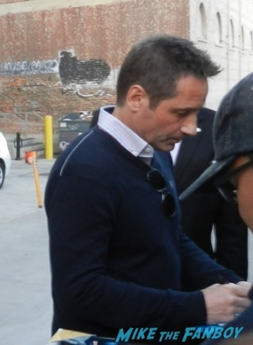 David Duchovny jimmy kimmel live signing autographs 4