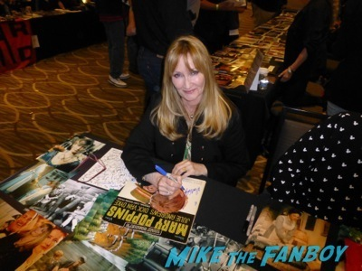 karen dotrice signing autographs now Hollywood Show Martin Landau signing autographs ed wood2