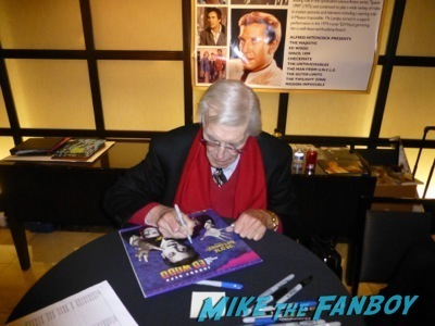 Martin Landau signing autographs now Hollywood Show Martin Landau signing autographs ed wood2