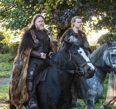 King Horik (Donal Logue) and his son Erlunder (Edvin Endre)