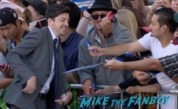 Christopher Mintz-Plasse  signing autographs Neighbors premiere zach efron signing autographs seth rogan hot  1