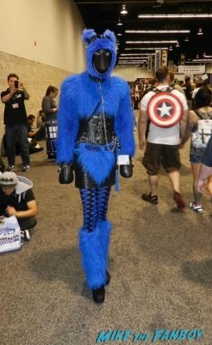 Wondercon 2014 cosplay elvira game of thrones up 14