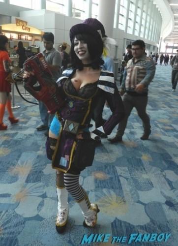 Wondercon 2014 cosplay elvira game of thrones up 9