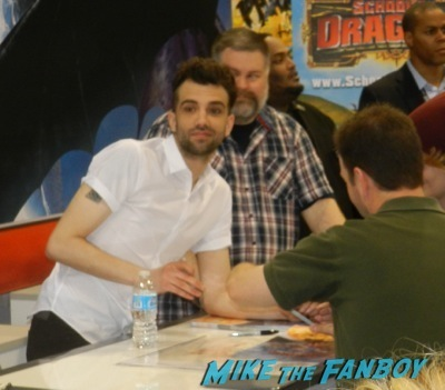 Dragons: Defenders of Berk autograph signing jay Baruchel Wondercon 2014 cosplay