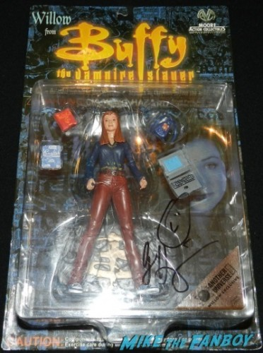 alyson hannigan signed red pants Willow Action Figure jimmy kimmel live signing autographs 26