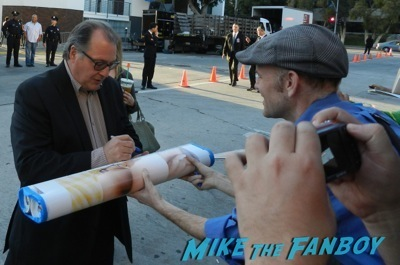 kevin dunn signing autographs draft day movie premiere jennifer Garner Tom Welling signing autographs 13