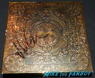 jennifer garner signed alias dvd box set rambaldi box