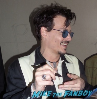 Johnny Depp Madness! Will Braves The Crowds To Meet The Edward Scissorhands Star! Autographs! And More!