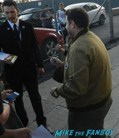 jonah hill signing autographs jimmy kimmel live 20146