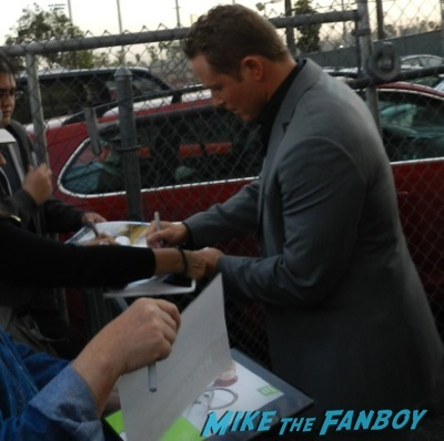 cole hauser signing autographs jimmy kimmel live 201422