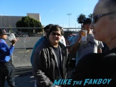 jonah hill signing autographs jimmy kimmel live 20144