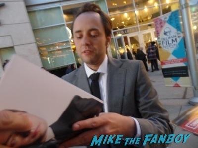 robert morse signing autographs Mad Men season 7 premiere jon hamm ignores fans